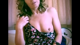 Tiny mature amateur has a pussy workout inserting yoni-eggs