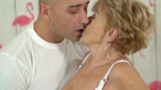 Nasty granny loves hardcore fellow-feeling a amour - Malya and Mugur