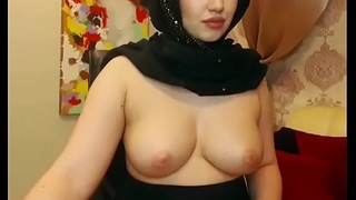 Hot muslim girl live show big tits in chatroom