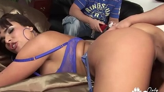 Valery Summer Makes Her Husband Watch As She Gets A Big Messy Facial - Cuckold